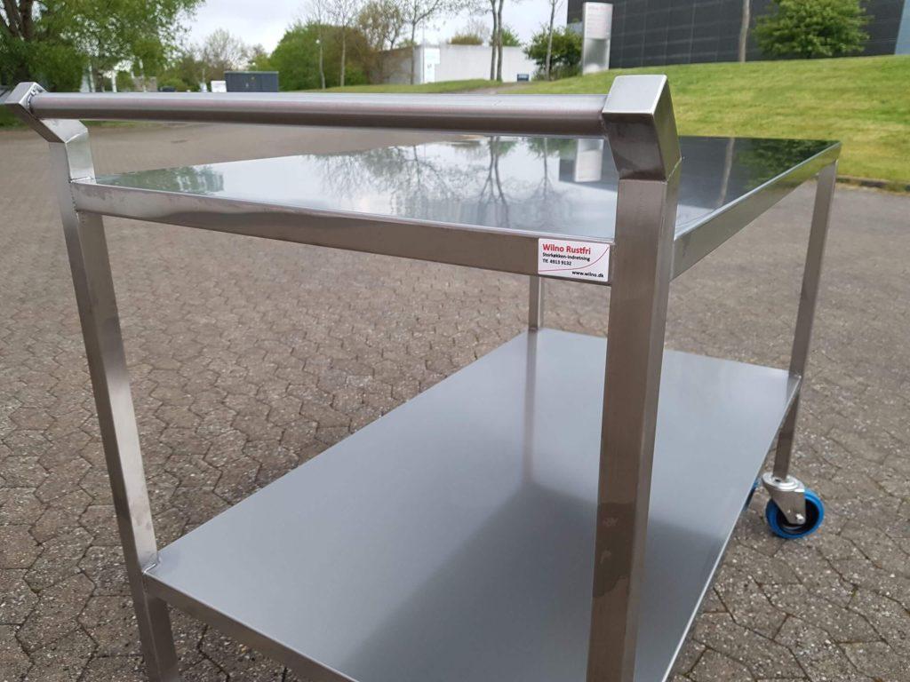 Wilno Rustfri ApS - Rullebord med 2 hylder
