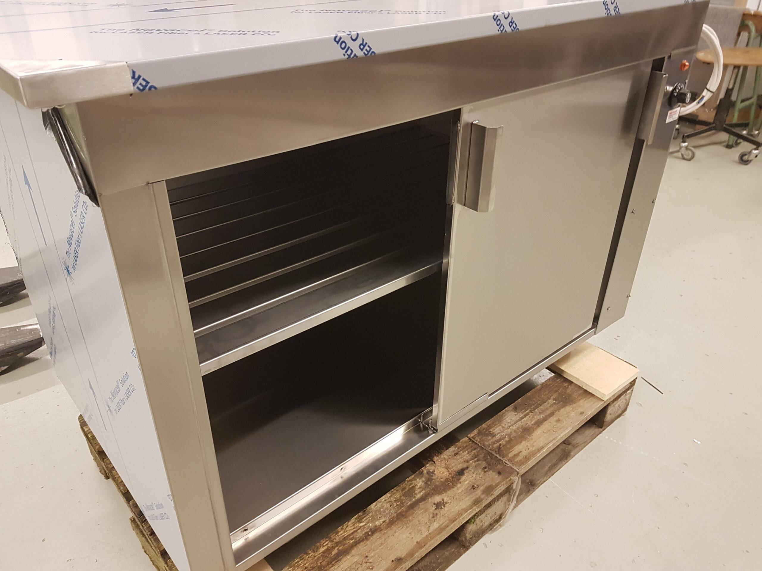 Rustfrit Wilno Rustfri ApS - Rustfrit varmeskab med skydelågervarmeskab med skydelåger