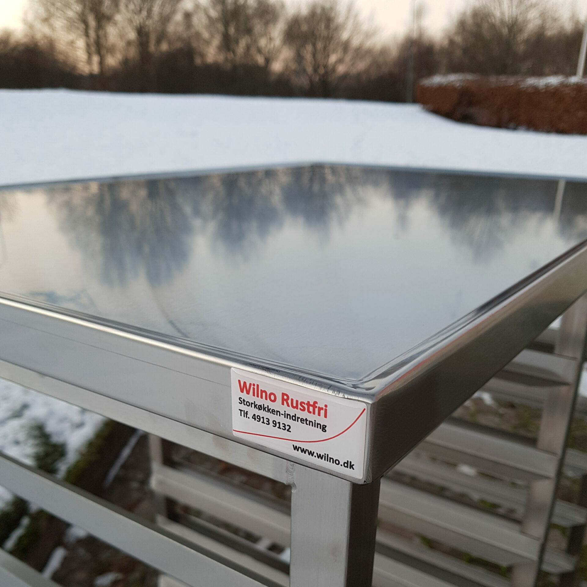 Wilno Rustfri ApS - Rullebord med indstik