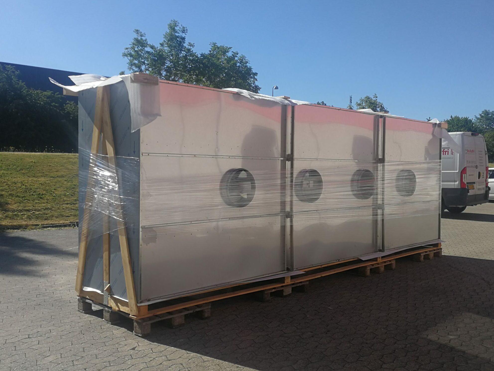 Wilno Rustfri ApS - 2 stk Industri emhætter 2 x 6 meter klar til levering